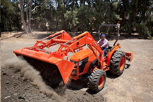 Where to find TRACTOR, KUBOTA MX5200 in Grove